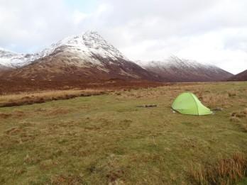 Partir à l'aventure et planter notre tente en camping sauvage